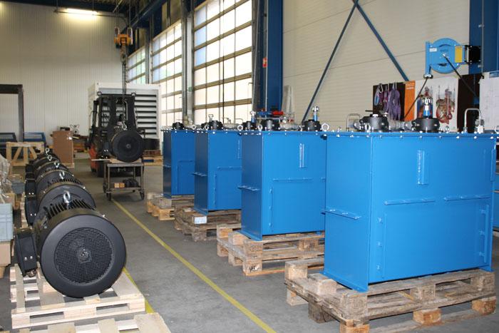 Motrac Hydraulics build up redundant powerpack.jpg