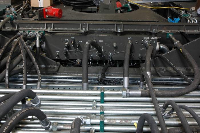 Motrac Industries hydraulic power unit mining truck (1).jpg