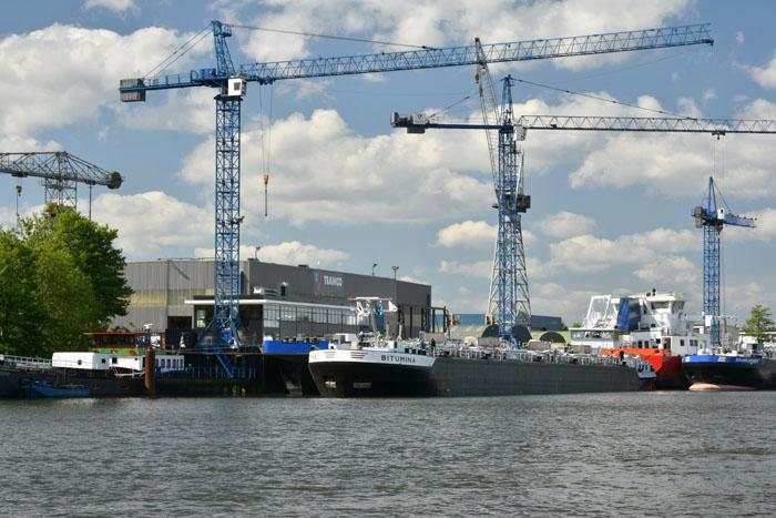 Motrac Industries inland vessel Bitumina.jpg