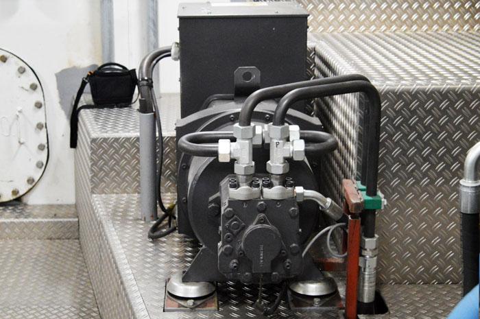 EcoGenDrive shaft generator Powered by Motrac Industries (3).jpg