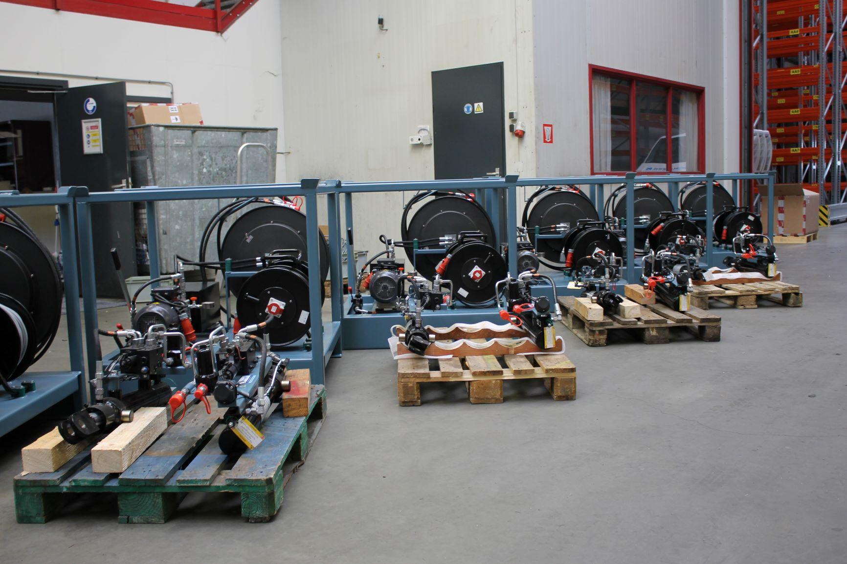 Motrac Industries hydraulic directional control valve Bucher Hydraulics (2).JPG