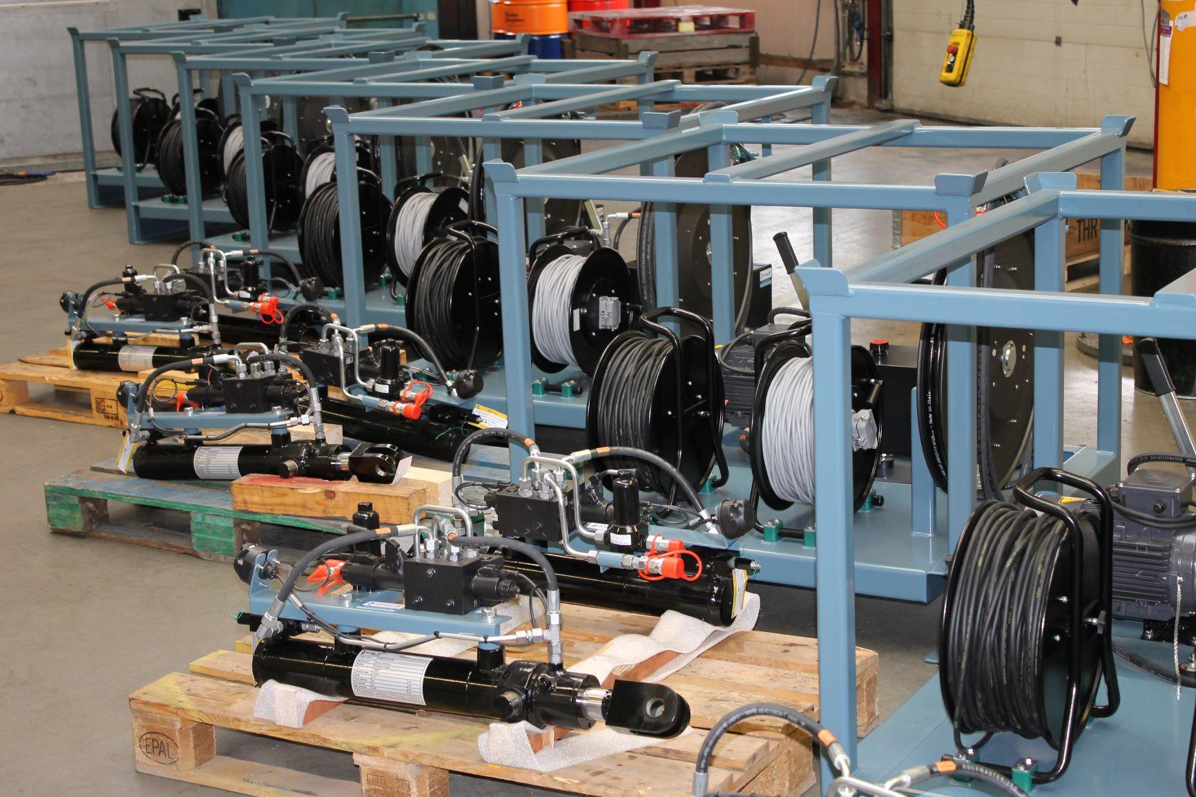Motrac Industries hydraulic directional control valve Bucher Hydraulics.JPG
